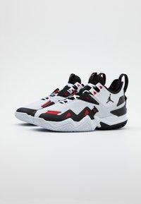 Jordan - WESTBROOK ONE TAKE - Basketballsko - white/black/university red - 1