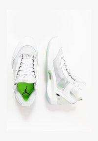 white/metallic silver/pure platinum/electric green