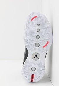 Jordan - AIR XXXIV LOW - Koripallokengät - black/metallic silver/white/red orbit - 4