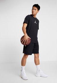 Jordan - JUMPMAN CREW - T-Shirt print - black/white - 1