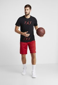 Jordan - ALPHA DRY SHORT - Pantaloncini sportivi - gym red/white