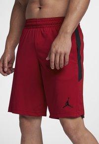 Jordan - ALPHA DRY - Urheilushortsit - gym red/black/black - 1