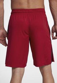 Jordan - ALPHA DRY - Urheilushortsit - gym red/black/black - 2