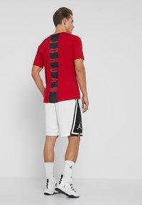 Jordan - Korte sportsbukser - white/black/white - 2