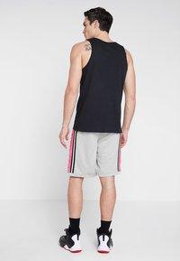 Jordan - BASKETBALL SHORT - Träningsshorts - spruce fog/hyper pink/black - 2