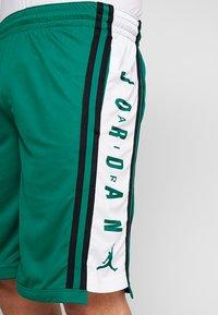Jordan - BASKETBALL SHORT - Träningsshorts - mystic green/white/black - 4