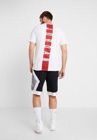 Jordan - JUMPMAN DIAMOND SHORT - Sports shorts - black/white - 2