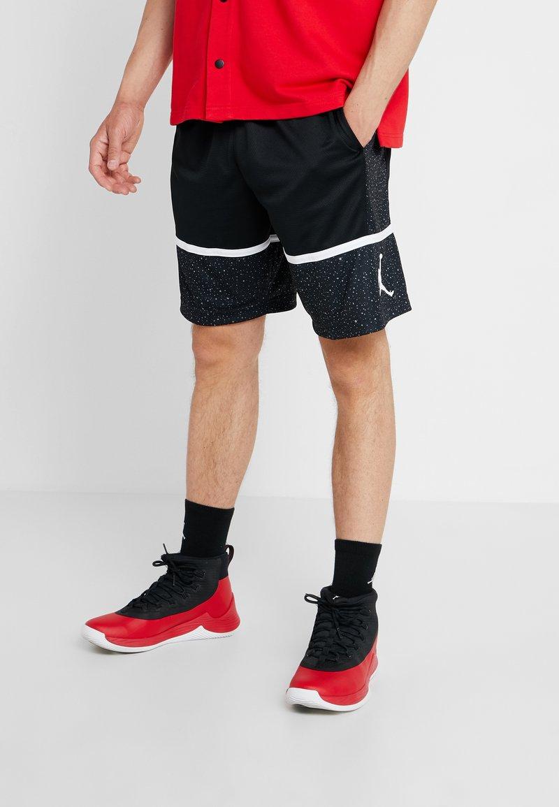 Jordan - JUMPMAN GRAPHIC SHORT - Sports shorts - black/white