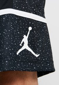 Jordan - JUMPMAN GRAPHIC SHORT - Sports shorts - black/white - 4