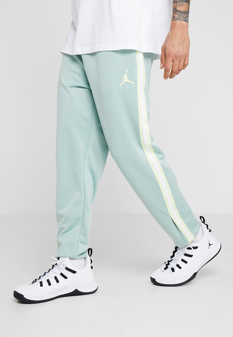 Jordan - JUMPMAN SUIT PANT - Verryttelyhousut - quartz patina/white/luminous green