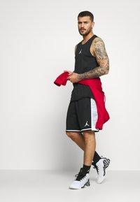 Jordan - JUMPMAN BBALL SHORT - Pantaloncini sportivi - black/white - 1