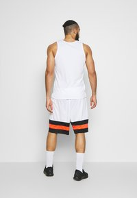 Jordan - JUMPMAN BBALL SHORT - Sports shorts - white/black/infrared