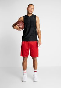 Jordan - AIR TEAR AWAY SHORT - Träningsshorts - gym red/black - 1