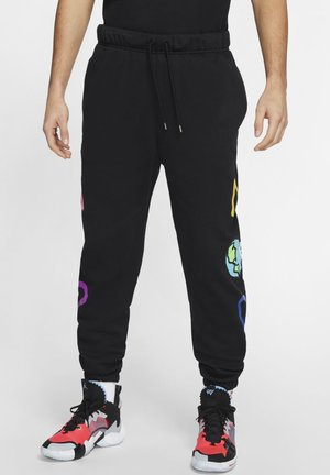 JORDAN WHY NOT? PANTALON EN TISSU FLEECE POUR HOMME - Träningsbyxor - black