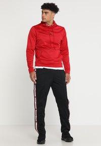 Jordan - ALPHA THERMA HOODIE - Hættetrøjer - gym red/black - 1