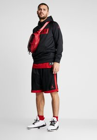 Jordan - 23 ALPHA - Bluza z kapturem - black/gym red - 1