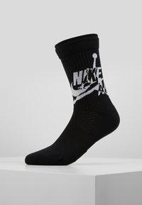Jordan - LEGACY CREW JUMPMAN CLASSIC - Sportovní ponožky - black/white - 0