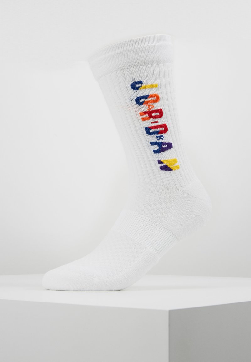 Jordan - LEGACY CREW RIVALS - Sports socks - white/multi-color