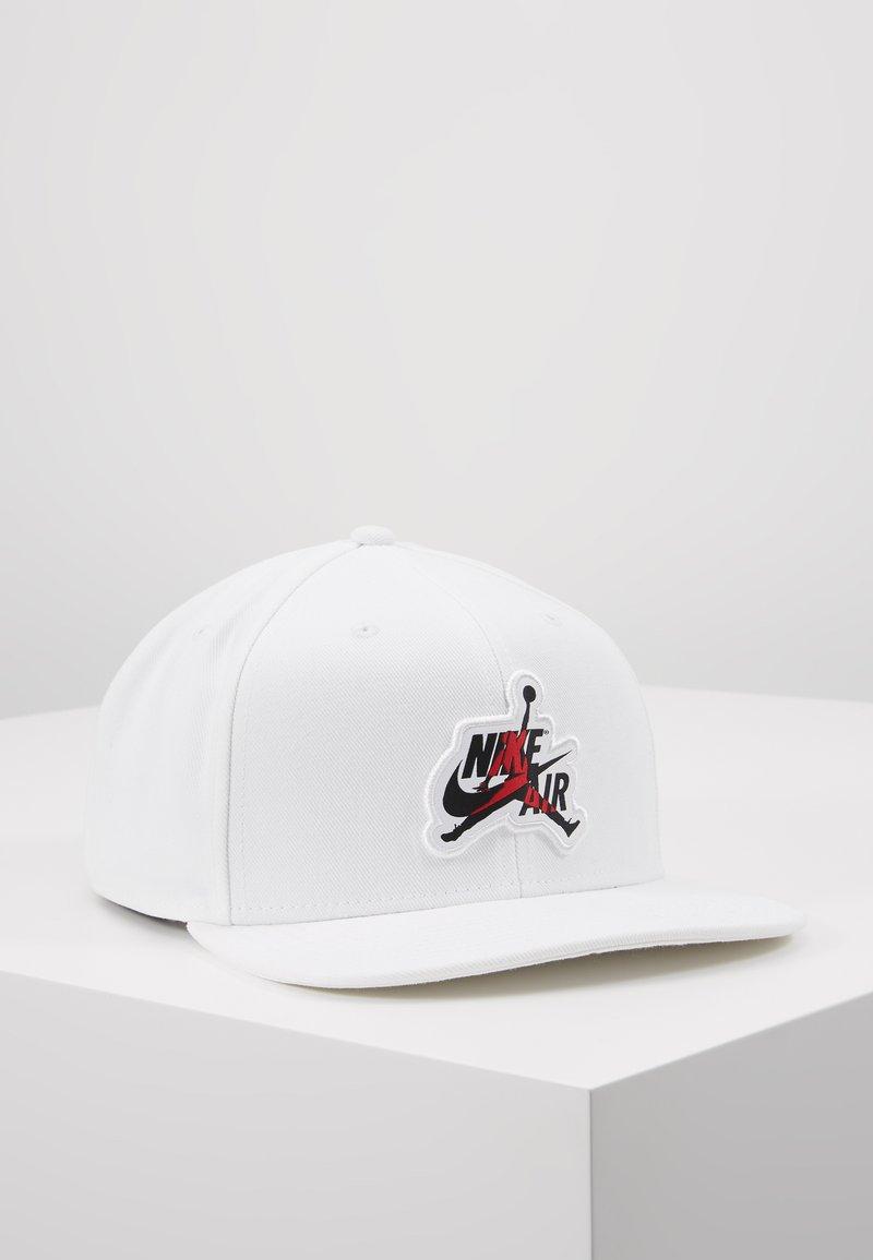 Jordan - PRO CLASSICS - Caps - white/black