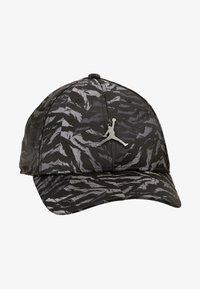Jordan - CAMO - Cap - black - 5