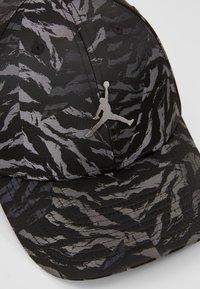 Jordan - CAMO - Cap - black - 6