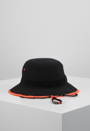BUCKET JUMPMAN - Klobouk - black/infrared