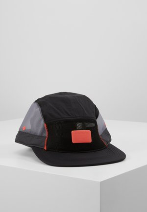 CAP ENGINEERED - Gorra - black/anthracite/infrared