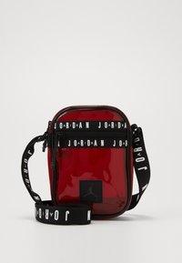Jordan - JELLY FESTIVAL BAG - Olkalaukku - gym red - 0