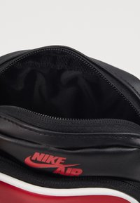 Jordan - FESTIVAL - Across body bag - black - 2