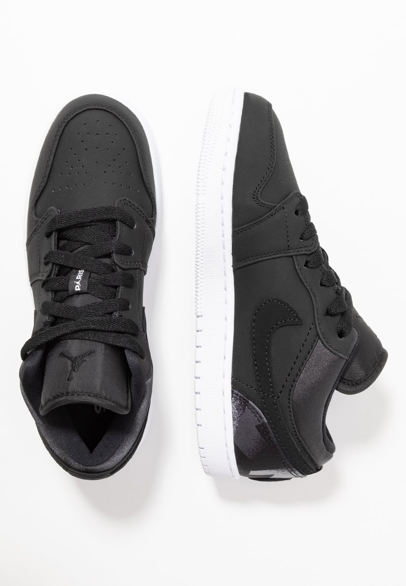 Jordan - AIR 1 LOW PSG - Indoorskor - black/dark grey/infrared/white
