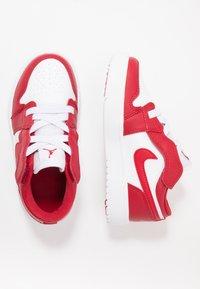 Jordan - LOW ALT - Basketbalové boty - gym red/white - 1