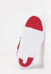 Jordan - LOW ALT - Basketbalové boty - gym red/white - 4