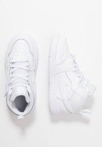 Jordan - 1 MID ALT - Basketbalové boty - white - 0