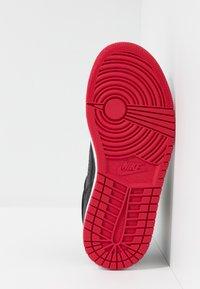 Jordan - ACCESS - Basketball shoes - black/gym red/white - 5