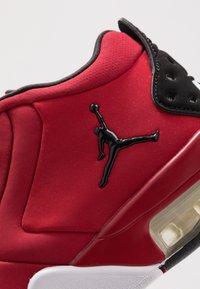 Jordan - BIG FUND - Basketbalové boty - gym red/black/white - 2