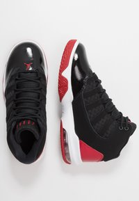 Jordan - MAX AURA - Basketbalové boty - black/gym red/white - 0