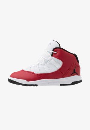 MAX AURA - Basketbalové boty - gym red/black/white