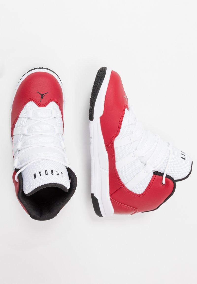 Jordan - MAX AURA - Basketbalové boty - gym red/black/white