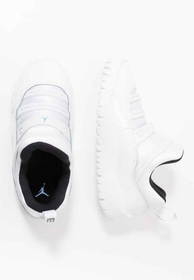 AIR 11 RETRO LITTLE FLEX - Koripallokengät - white/legend blue/black