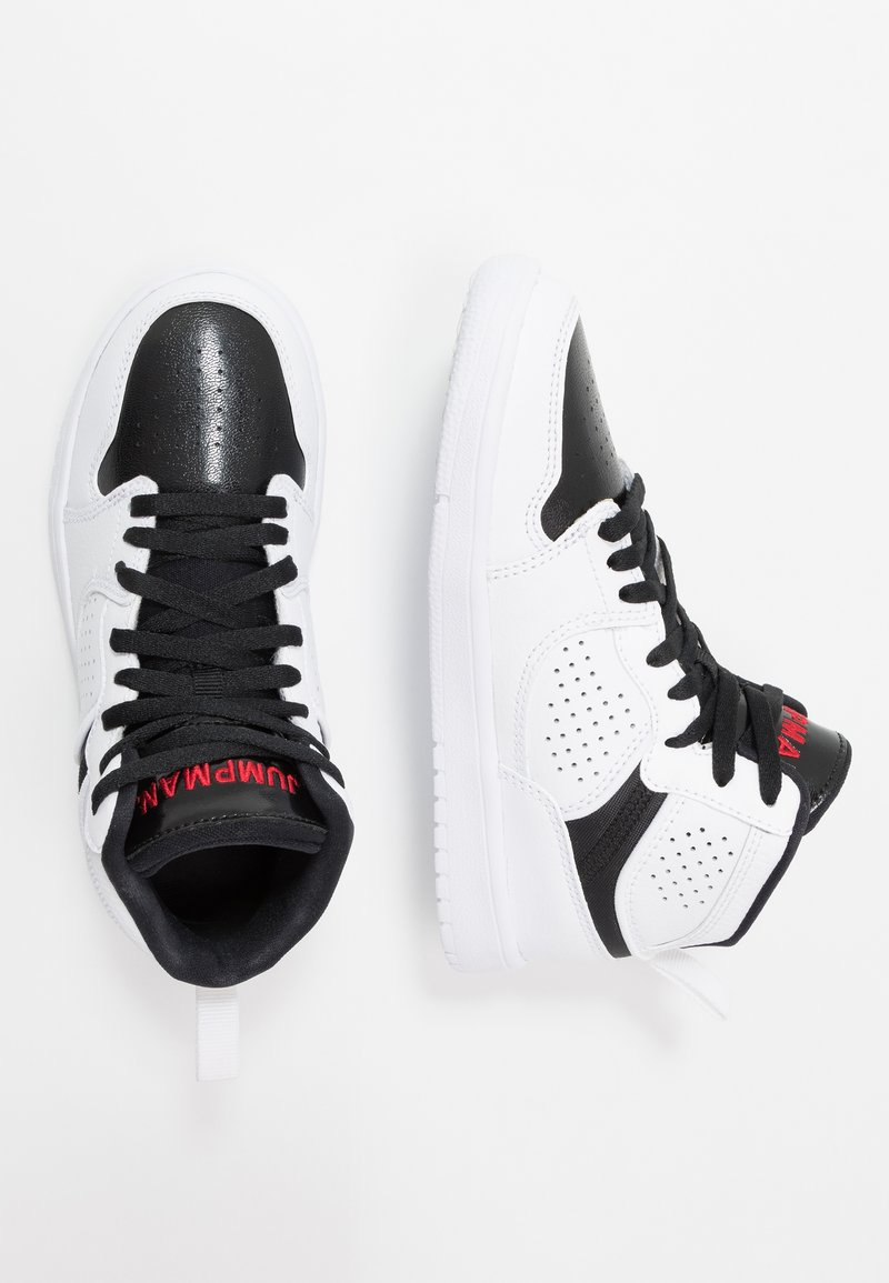 Jordan - JORDAN ACCESS SCHUH FÜR JÜNGERE KINDER - Basketbalové boty - white/gym red/black