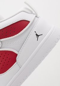 Jordan - ACCESS - Zapatillas de baloncesto - white/black/gym red - 5