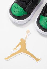 Jordan - ACCESS - Basketbalové boty - black/aloe verde/white - 6