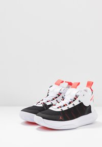 Jordan - JUMPMAN 2020 - Basketbalschoenen - white/metallic silver/black/infrared - 3
