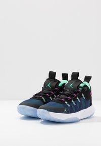 Jordan - JUMPMAN 2020 - Basketbalové boty - black/electric green/hyper violet/bright crimson - 3