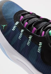 Jordan - JUMPMAN 2020 - Basketbalové boty - black/electric green/hyper violet/bright crimson - 2