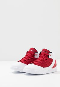 Jordan - MAX AURA BT - Basketbalové boty - white/black/gym red - 3