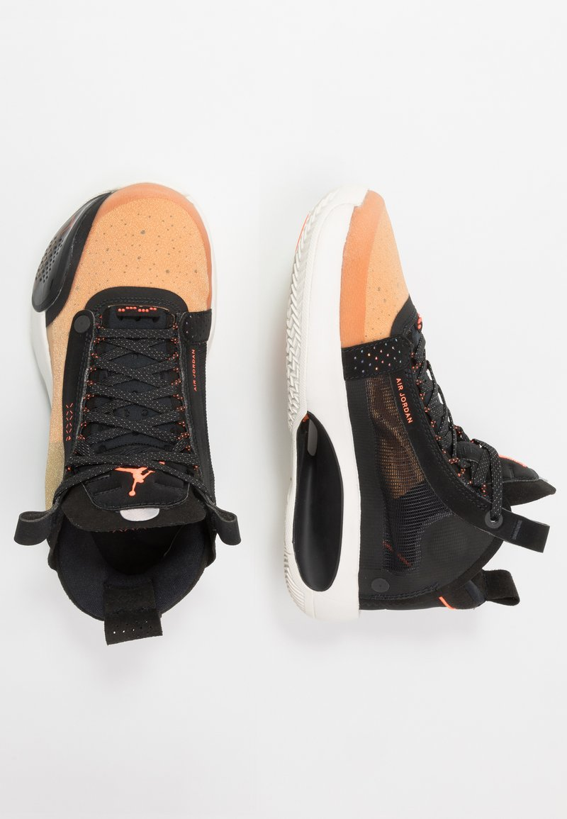 Jordan - AIR XXXIV BG - Obuwie do koszykówki - amber rise/metallic silver/black/sail/hyper crimson