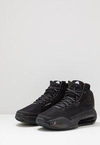 Jordan - AIR XXXIV BG - Basketbalové boty - black/dark smoke grey/electric green - 3
