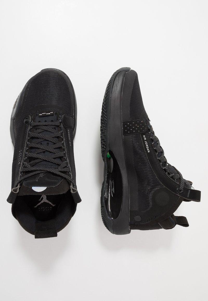 Jordan - AIR XXXIV BG - Basketbalové boty - black/dark smoke grey/electric green