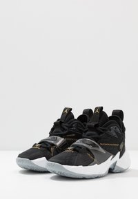 Jordan - WHY NOT ZER0.3 - Zapatillas de baloncesto - black/metallic gold/white - 3